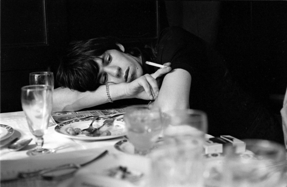 Terry O'Neill: Keith Richards London, 1964 Gelatin silver print Signed on verso & on recto Numbered on verso 40,3 x 50,8 cm Ed. 10/50