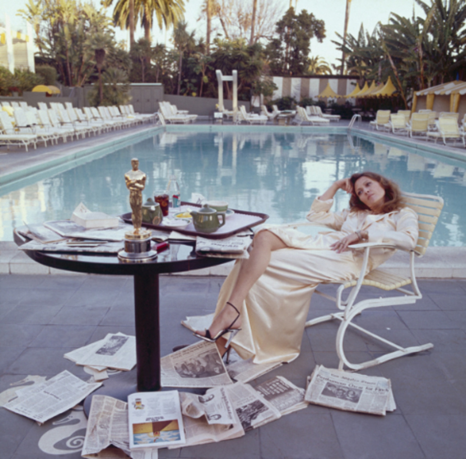 Terry O'Neill: Faye Dunaway Los Angeles, 1977 C-Print Signed on verso & on recto Numbered on verso 61,3 x 50,5 cm A/P