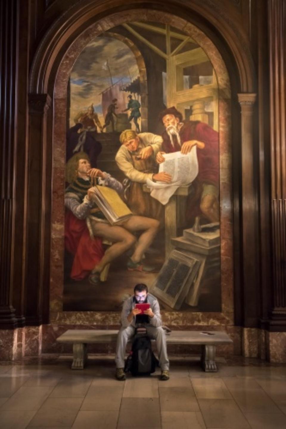 Steve McCurry: New York City Library New York, 2015