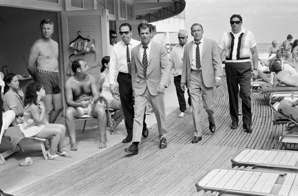 Terry O'Neill: Frank Sinatra on the Boardwalk of the Fontainebleau Miami, 1968 Gelatin silver print Signed on recto & on verso Numbered on verso 40 x 50 cm Ed. A/P