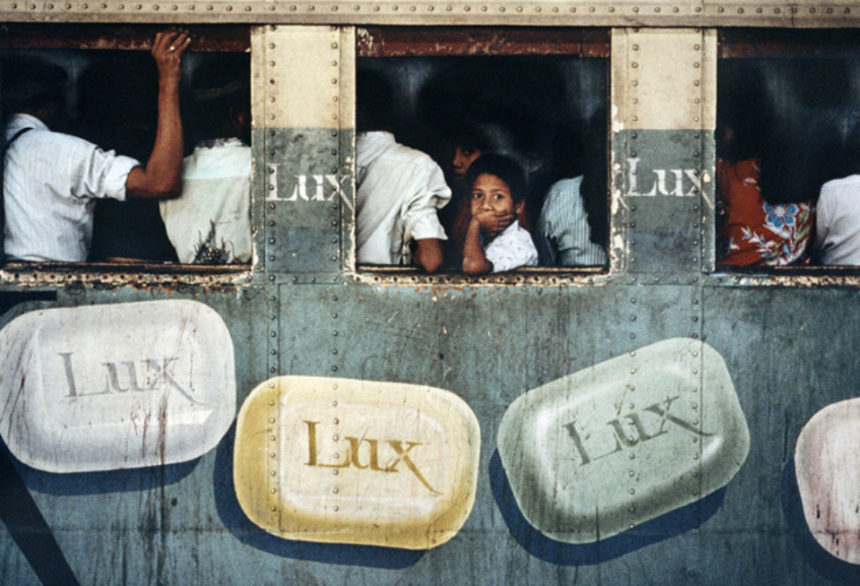 Steve McCurry: Lux Soap Rangoon, Burma, 1994 Signed, titled, dated and numbered on verso C-print 50 x 60 cm // 76 x 101 cm // 101 x 152 cm Editioned