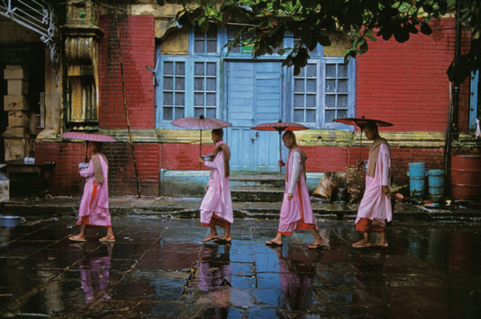 Steve McCurry: Procession of Nuns Rangoon, Burma, 1994 Signed, titled, dated and numbered on verso C-print 50 x 60 cm // 76 x 101 cm // 101 x 152 cm Editioned