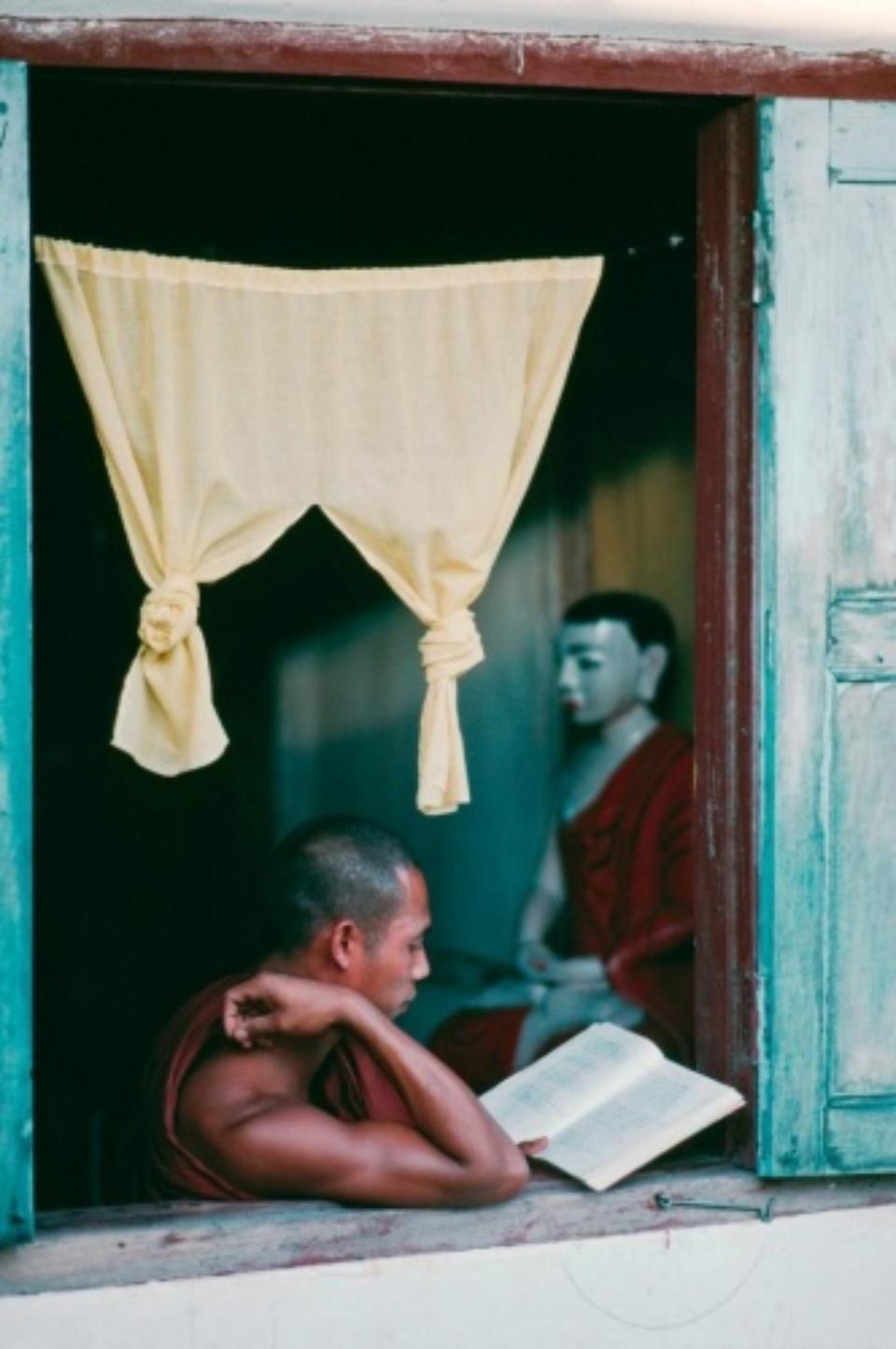 Steve McCurry: Rangoon, Myanmar/Burma