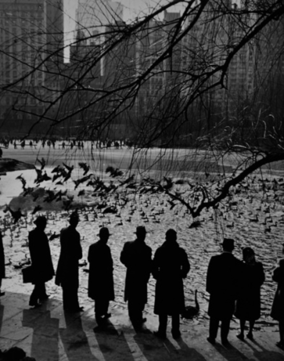Andreas Feininger: Sunday at Central Park New York, 1943 Gelatin silver print, printed later Signed on recto 50 x 40 cm