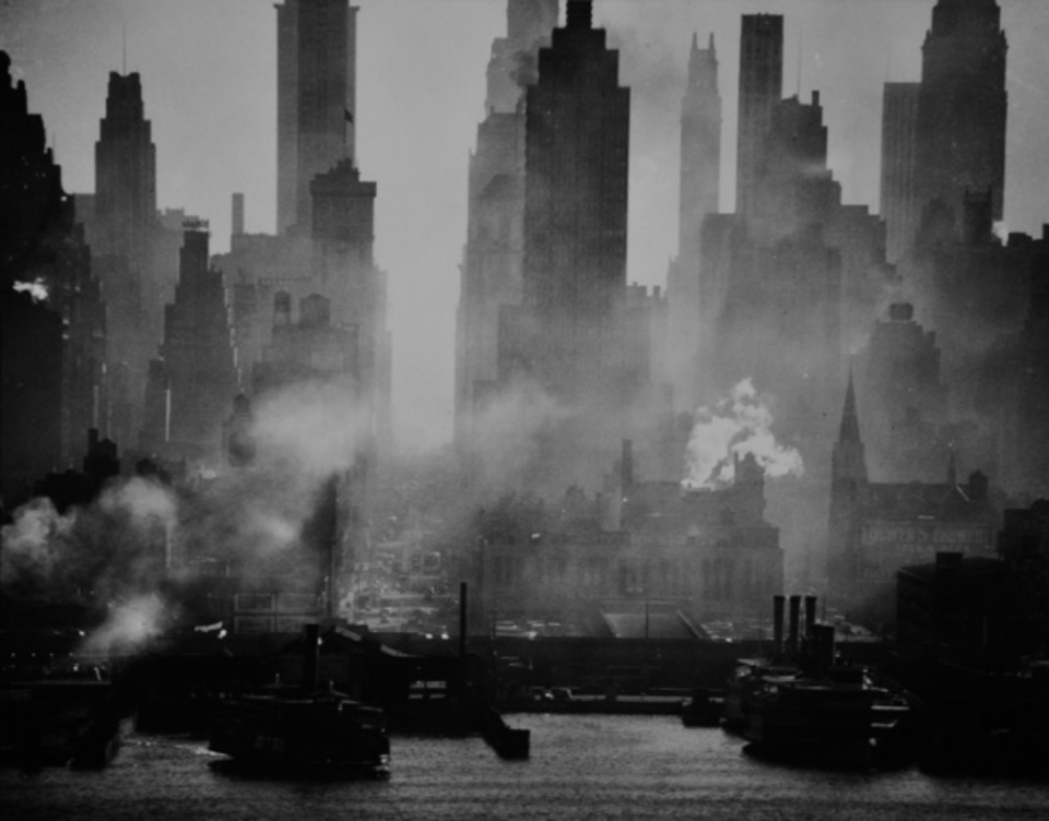 Andreas Feininger: Midtown Manhattan seen from New Jersey 1942 Gelatin sliver print, printed later Initialed A.F. on verso 50 x 60 cm
