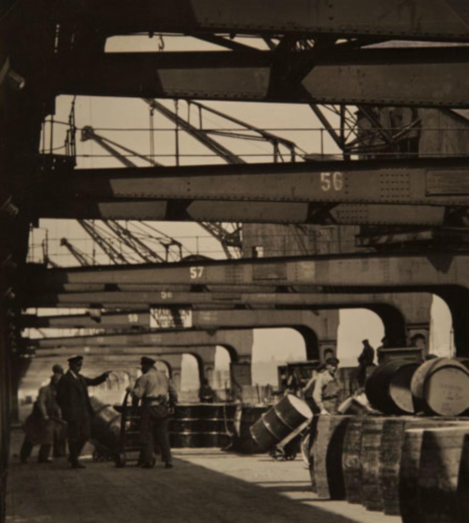 E.O. Hoppé Hamburg Dockyards, 1925 Vintage gelatin silver print