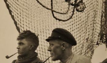E.O. Hoppé Fishermen, Hamburg, 1925 Vintage gelatin silver print Signed on verso