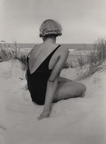 GROUPSHOW: BEACH – SUMMER – SEA