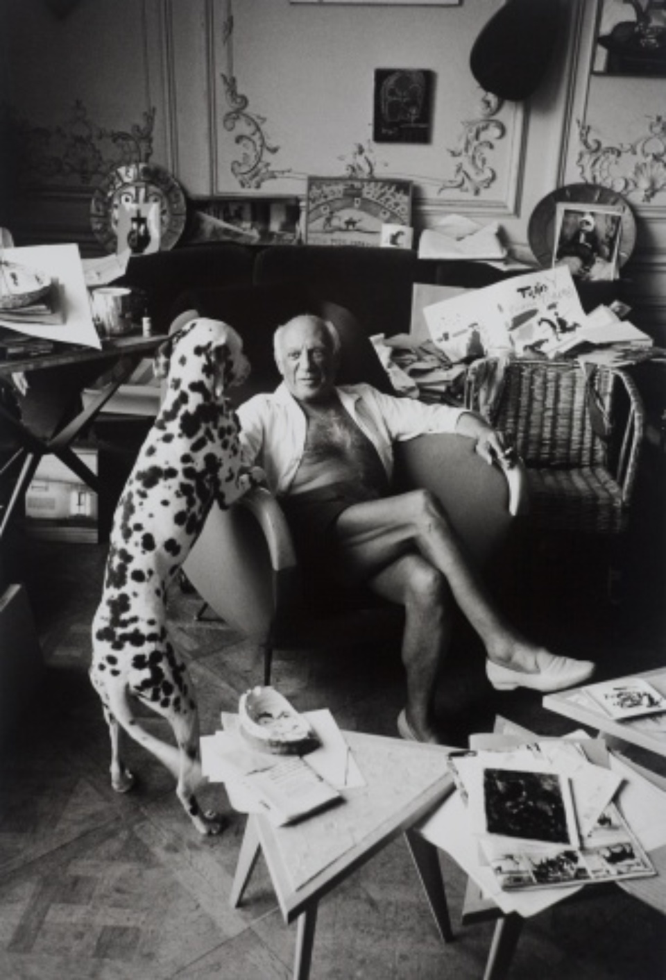 Edward Quinn: Untitled (Picasso in Chair with Dalmation) 1952 Gelatin silver print, printed later Estate stamp, signed by Gret Quinn 50 x 40 cm
