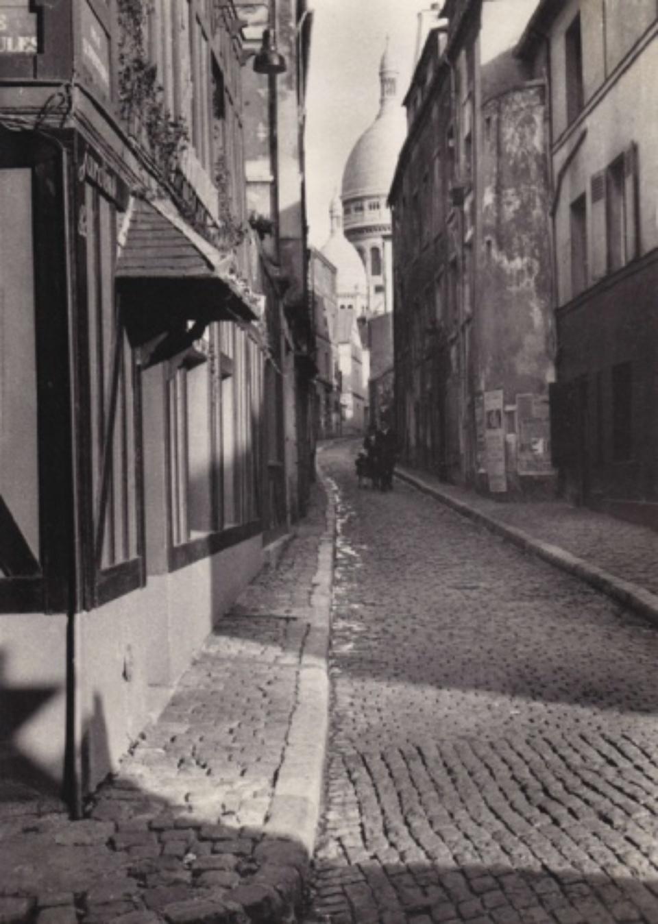 Fred Stein Cobblestones in Montmartre Paris, 1933 Vintage gelatin silver print 17,5 x 25 cm