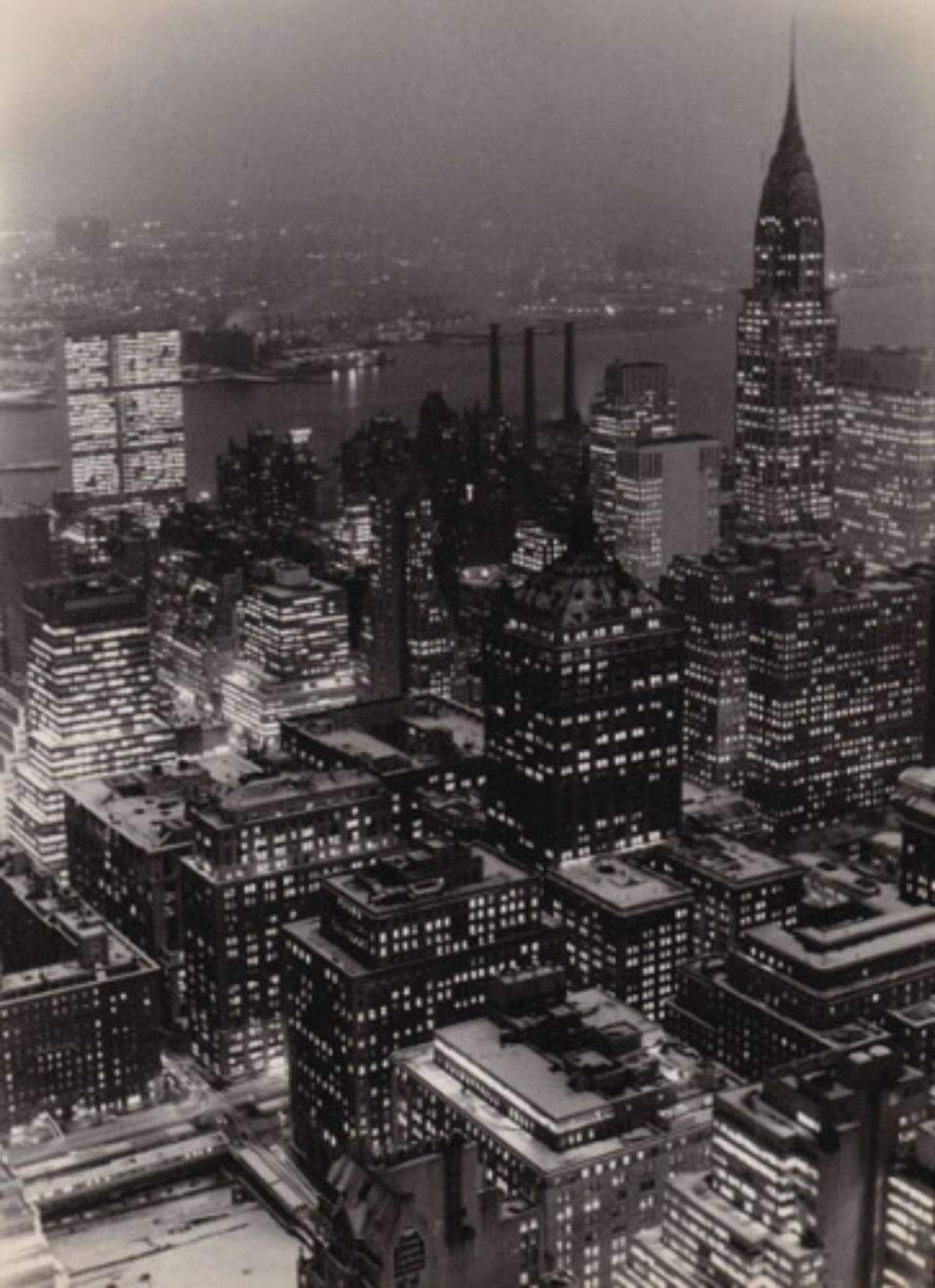Fred Stein Manhattan Night New York, 1947 Vintage gelatin silver print 17,5 x 24,5 cm