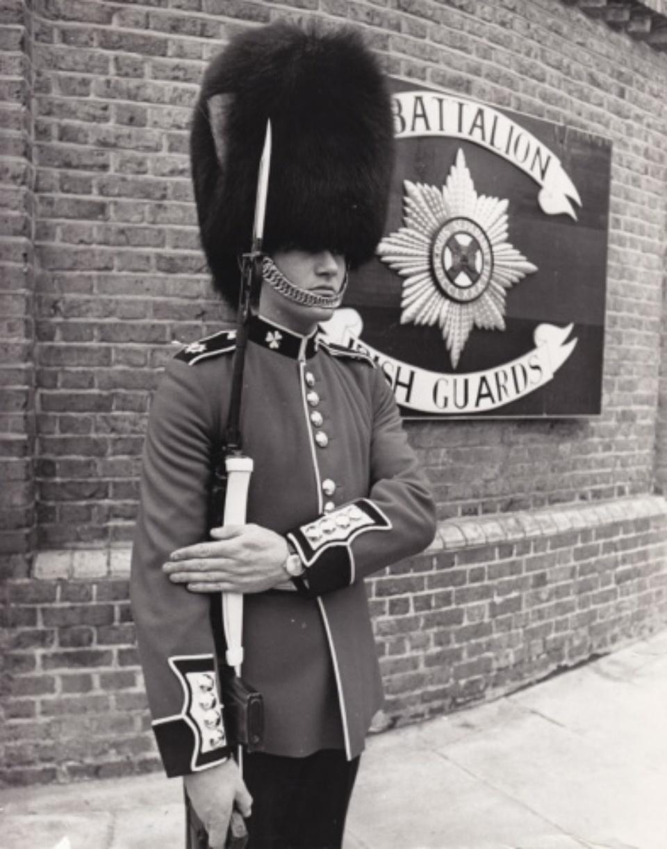 Vintage Press: Photograph Guardsman Boyd London, 1969 20,2 x 25,7 cm