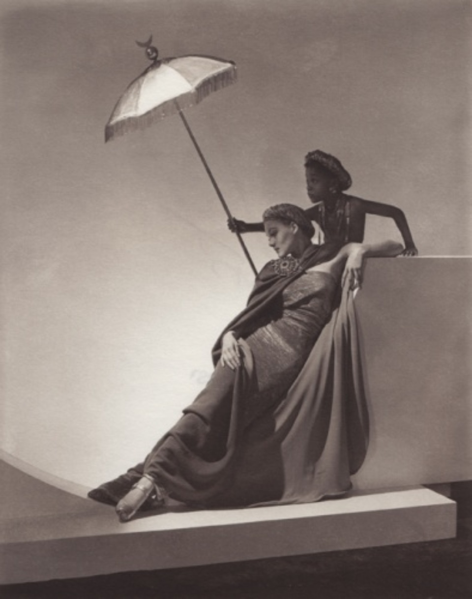 Horst P. Horst: Ad for Bergdorf Goodman New York, 1935 Platinum palladium print, printed later Signed on recto 20 x 16 cm