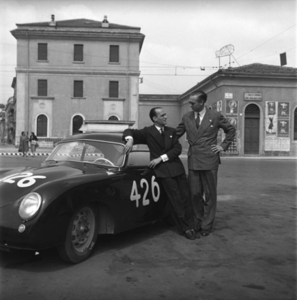 Marianne Fürstin zu Sayn-Wittgenstein-Sayn: 26. April 1953. Mille Miglia, Porsche Nr. 426. Die Fahrer Juan Itturalde /Fürst Metternich Italien 1953 Gelatin silver print 70 x 70 cm Ed. 1/5