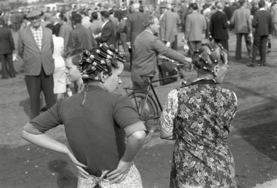 Max Scheler Zaungäste des Bergarbeiter- Streiks, Essen, Germany 1959
