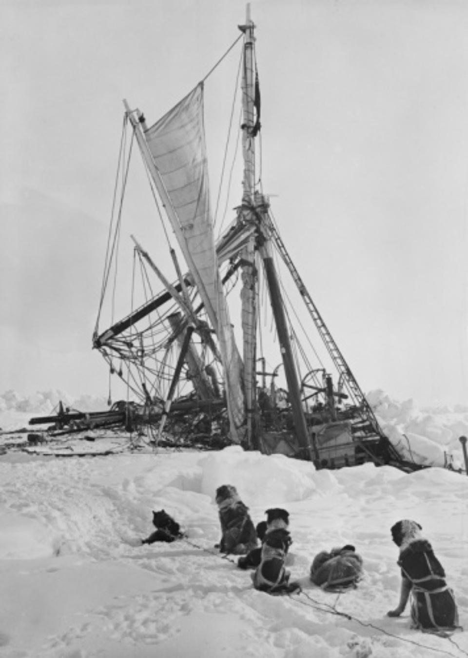 Frank Hurley Endurance crushed 1915