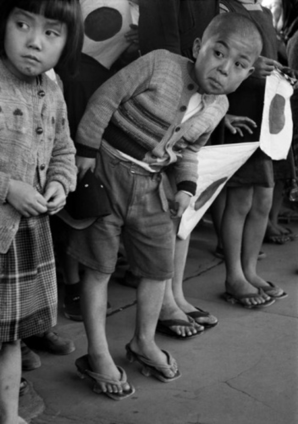 Werner Bischof: Waiting for the Emperor Hirohito, Japan, 1951 Modern gelatin silver print Estate stamp on verso 50 x 40 cm