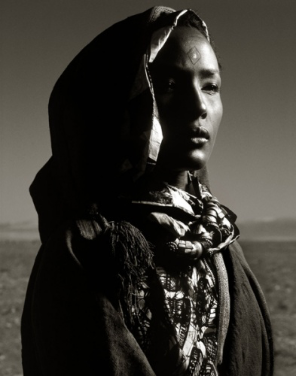 Albert Watson: Waris Dirie Morocco, 1992 Archival pigment print Signed, titled, dated and numbered on verso 76 x 61 cm Ed. 25