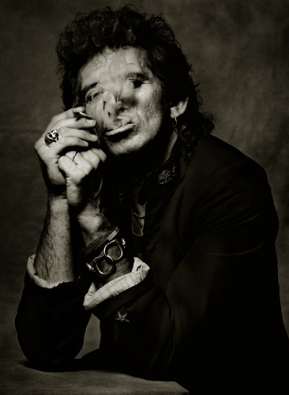 Albert Watson: Keith Richards New York City, 1988 Artist label on verso Archival pigment print 76 x 61 cm Ed. 25