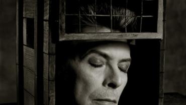 Albert Watson: David Bowie New York City, 1995 Artist label on verso Archival pigment print 76 x 61 cm Ed. 25