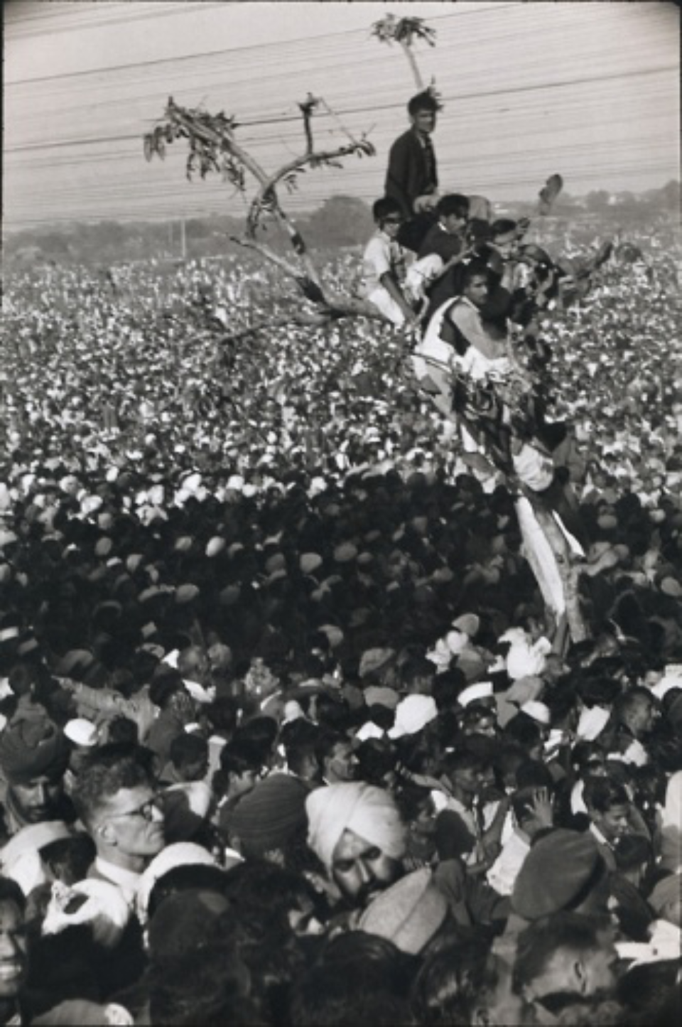 Henri Cartier-Bresson: Crowds Wait for Gandhi's Funeral Cortege India, 1948