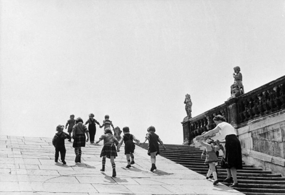 Erich Lessing: Viennese Children Belvedere Gardens, Vienna, Austria, 1954