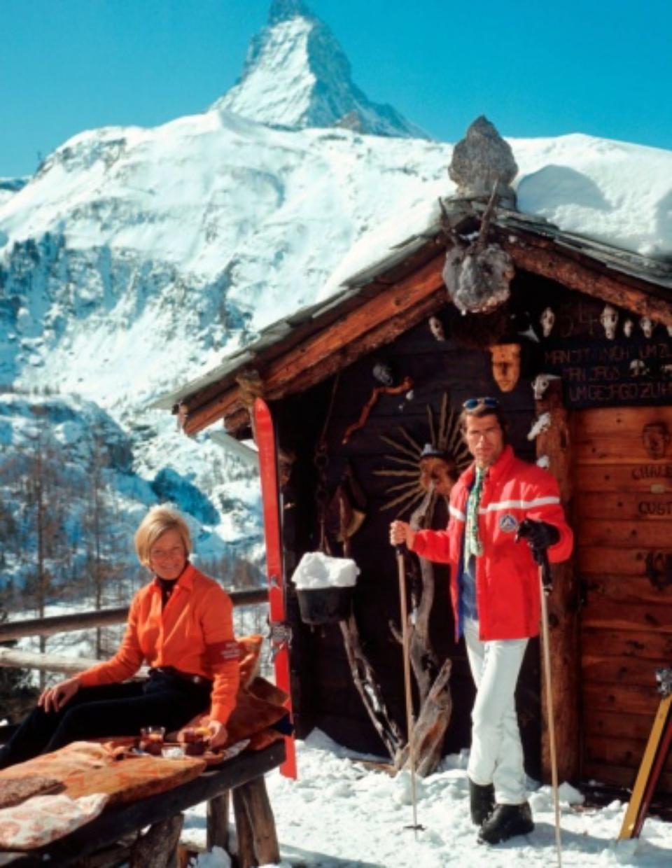 Slim Aarons: Skiers outside the Chalet Costi in Zermatt Zermatt, 1968