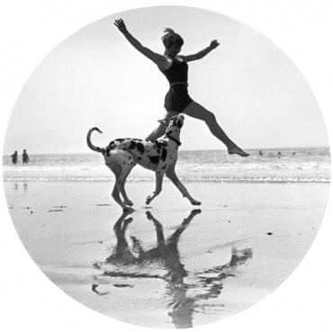 Jacques-Henri Lartigue. Suzy Vernan1926Modern Gelatin Silver PrintEstate stamp on verso40 x 30 cm