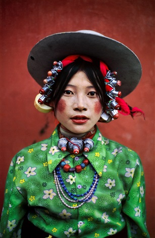 Steve McCurry. Woman at a Horse Festival, Tagong, Tibet, 1999