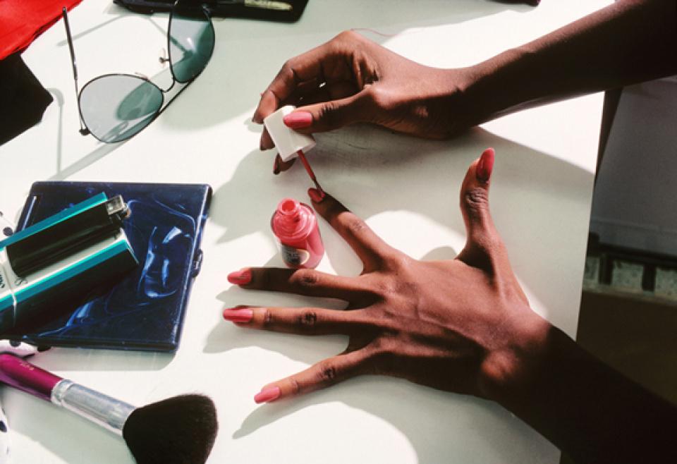 Harry Benson. Iman's Hands