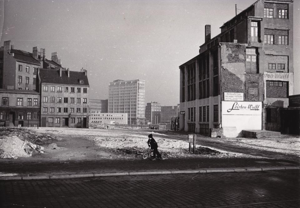 Franz Hubmann. Bauplatz, Hamburg. 1955/56