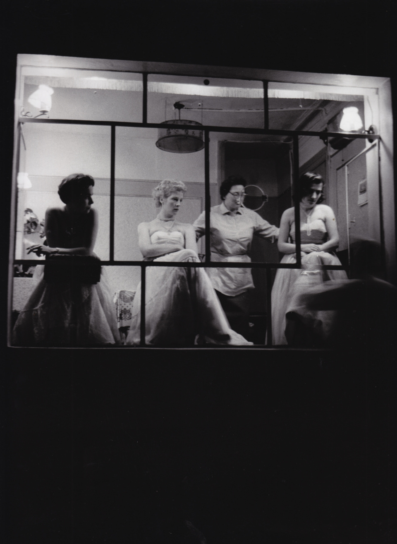 Franz Hubmann. Nachtclub Reeperbahn, St. Pauli. 1955/56