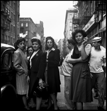 Fred Stein. Little Italy, New York, 1943
