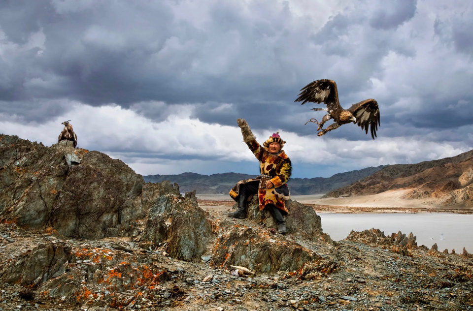 Steve McCurry. Man Hunts with Eagle, Mongolia, 2018