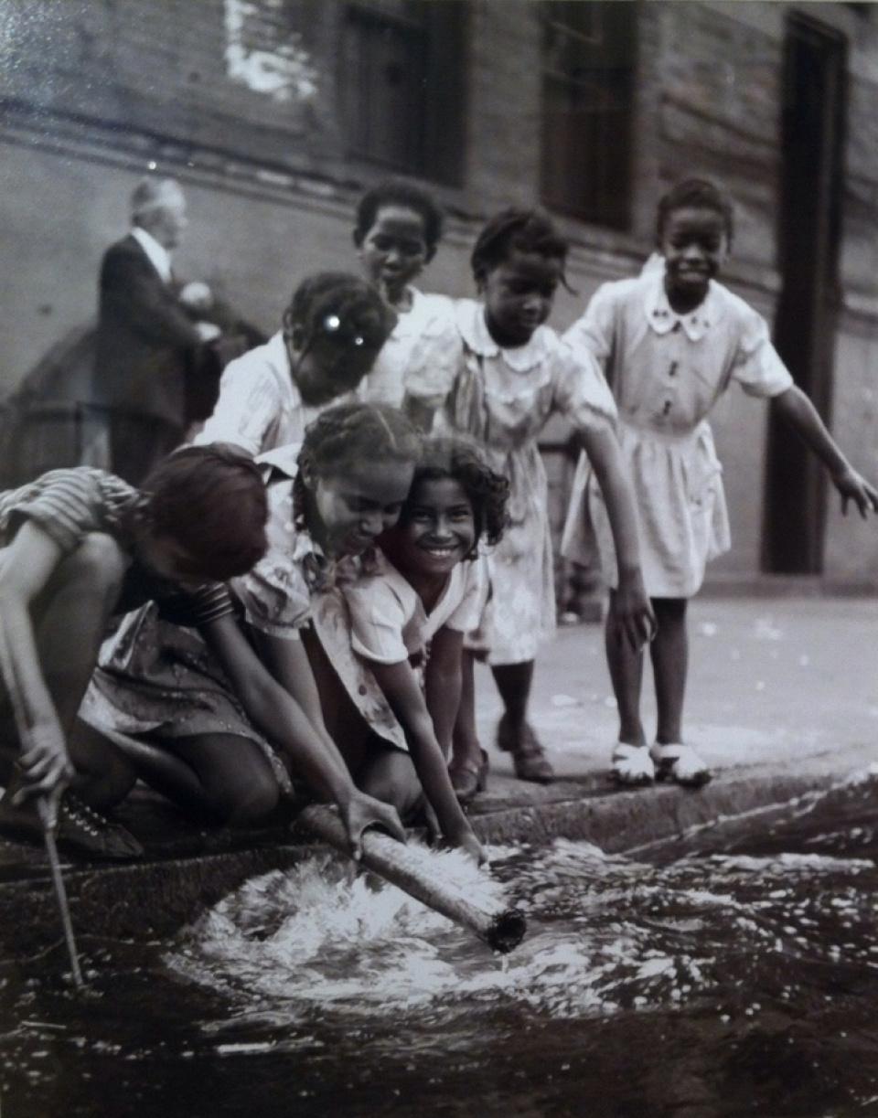 Fred Stein, Children in Harlem, NY, 1947