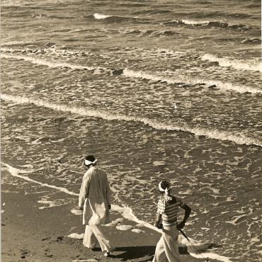 E.O.Hoppé- Borkum 1932